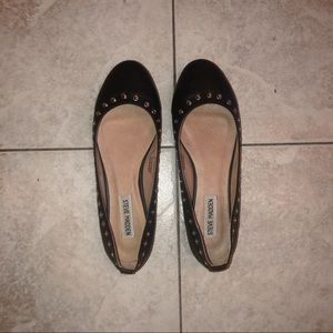 Steve Madden flats with metallic holes Sz 40!
